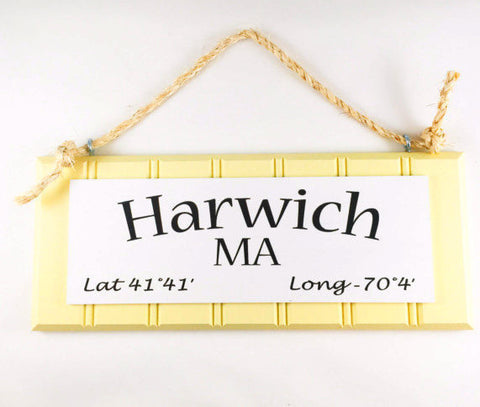 Latitude and longitude sign of Harwich, Massachusetts