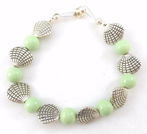 Magnetic Bracelet - Shell and Large Green Round