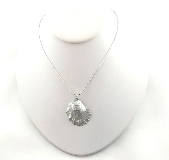 Necklace - Oyster
