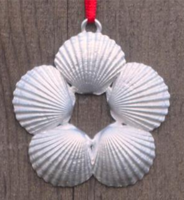 Ornament - Scallop Wreath