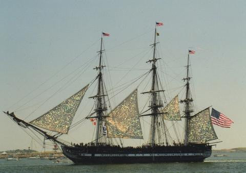 Glitter Magnet - USS Constitution Under Sail