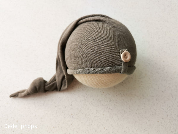 THOMAS hat - newborn size