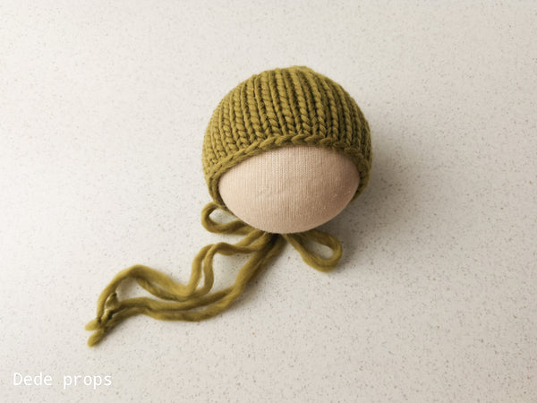 OLIVE SNOW hat- newborn size