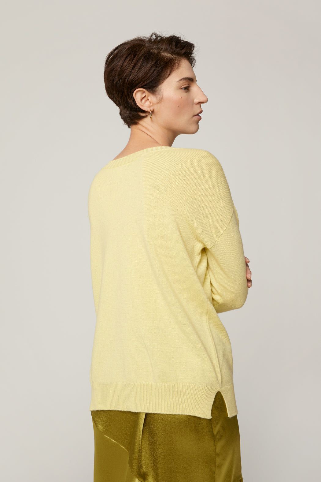 Reversible V, Pale Lemon
