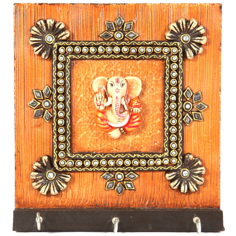 Kundan Wooden key holder