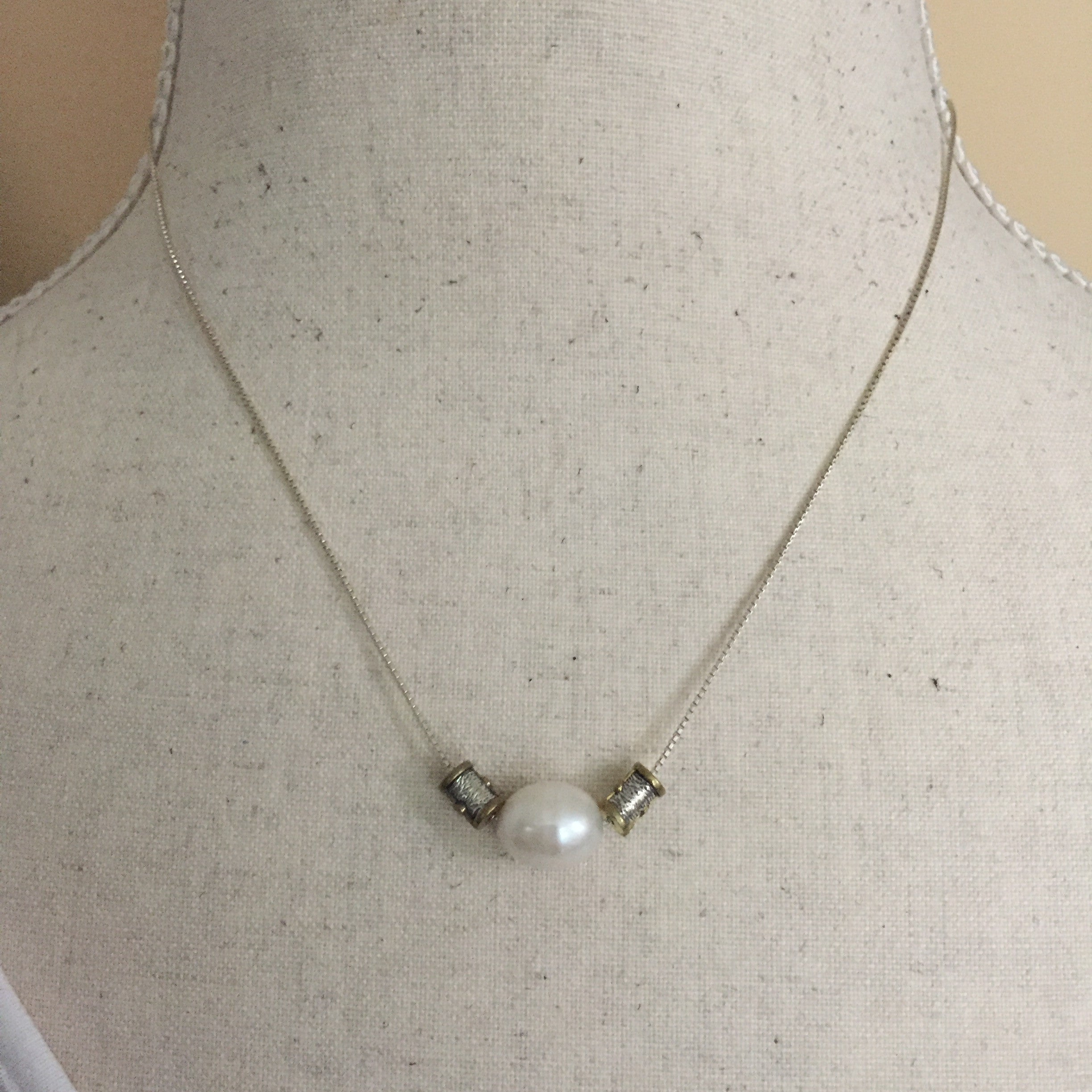 Silpada n3399 simple pearl necklace silverquest designs silpada n3399 simple pearl necklace aloadofball Images