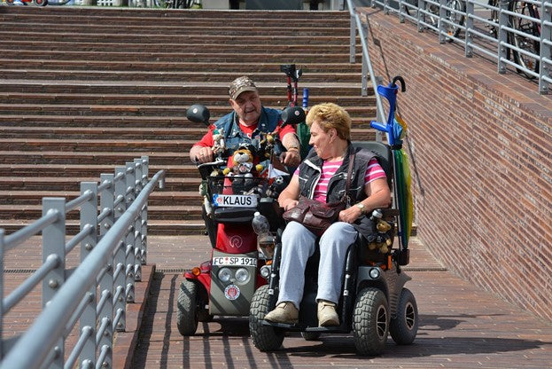 Mobility Scooters For Seniors: Tips For Aging Parents