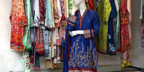 All Kinds of Pakistani Lawn Dresses to Buy Online from Us