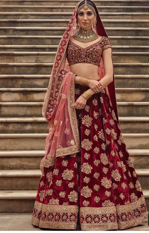 Classy Indian Bridal Dress In Maroon And Pink Color.Work Embellished With Pure Dabka,Nagh,Zari,Sequance And Zardozi Work.