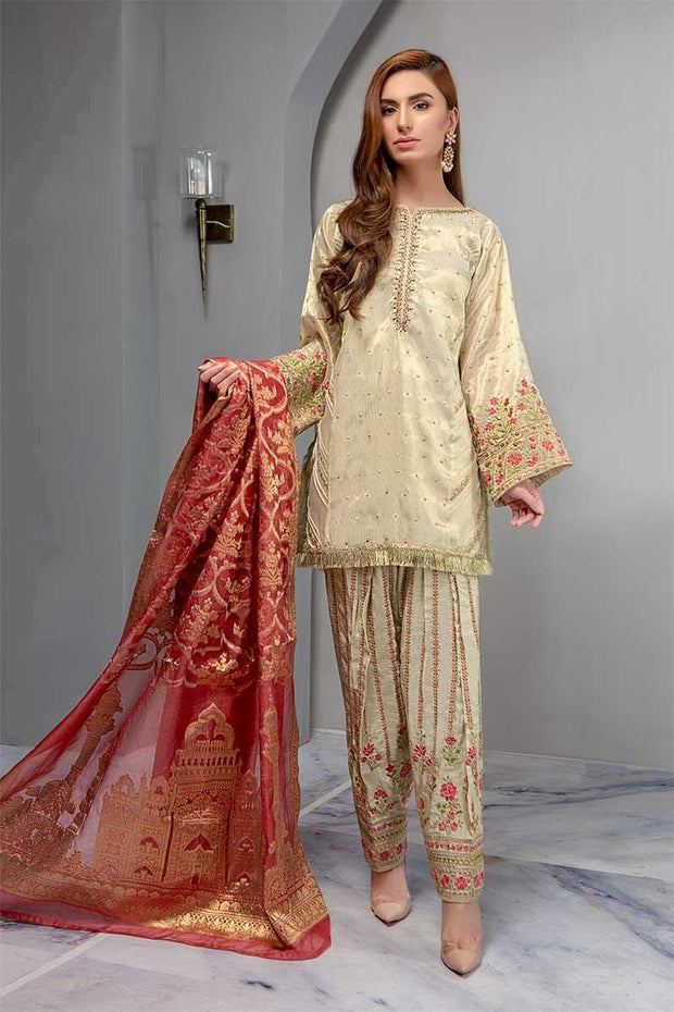 Punjabi Shlwar Suit in Beutifull Gold Offwhite Color.Work Embalished With Tilla,Threads,Sequance And Dhaga Embroidery.