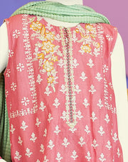 Baby girl kurta shalwar for the event of Eid 2