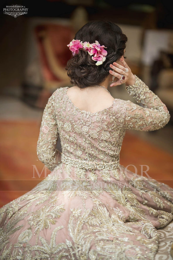 Pakistani Walima Bridal Dress in Beutiful Pastel Pink Color.Work Embellished With Heavy Dabka Nagh Zari And Silk Threads Work.