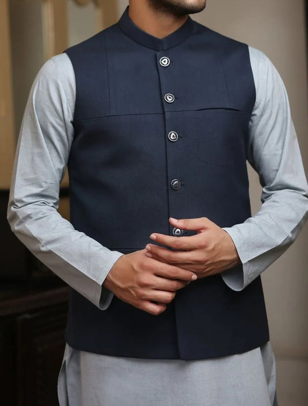 Decent waistcoat with kurta for the events