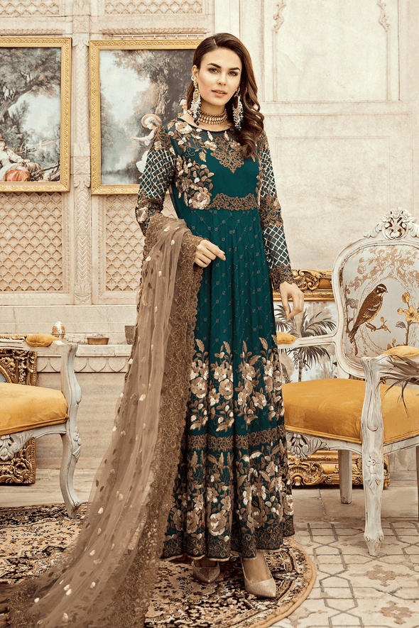 Designer Pakistani Dress for Party in green color