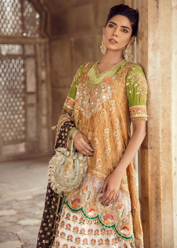 Elegant Pakistani Lehnga Shirt for Asian Bride Close Up