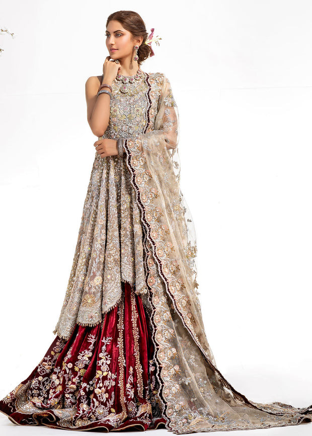Heavy Lehnga Wear for Bridal in Ivory Color