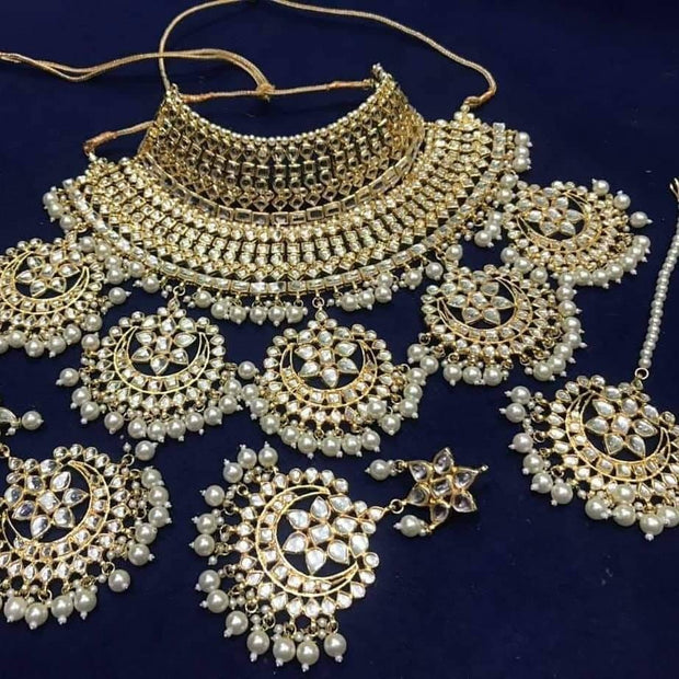 Heavy Crystal Jewellery Set With White Moti