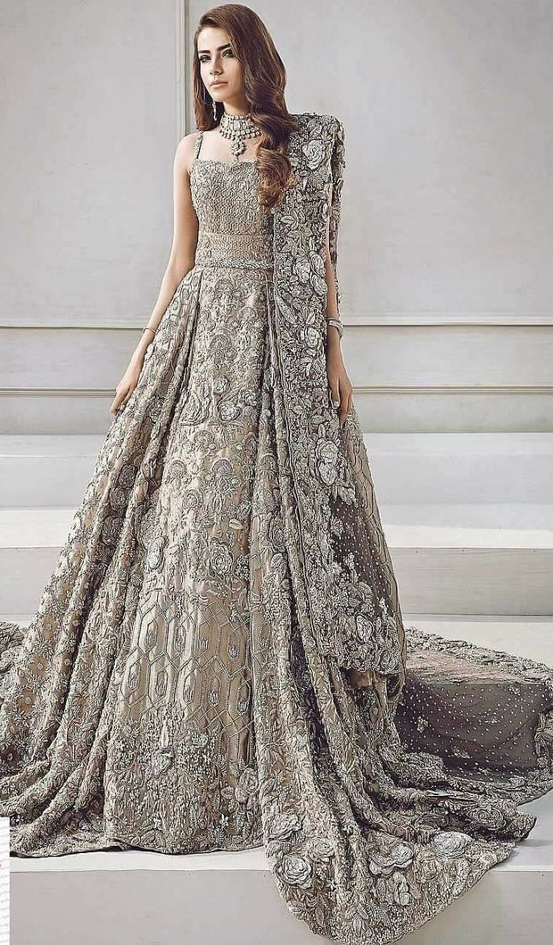 Beautiful heavy maxi lahnga in brownish silver color