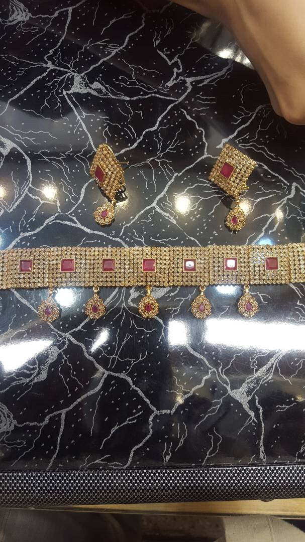 Bridal Kundan choker set in maroon color Model#Kundan14