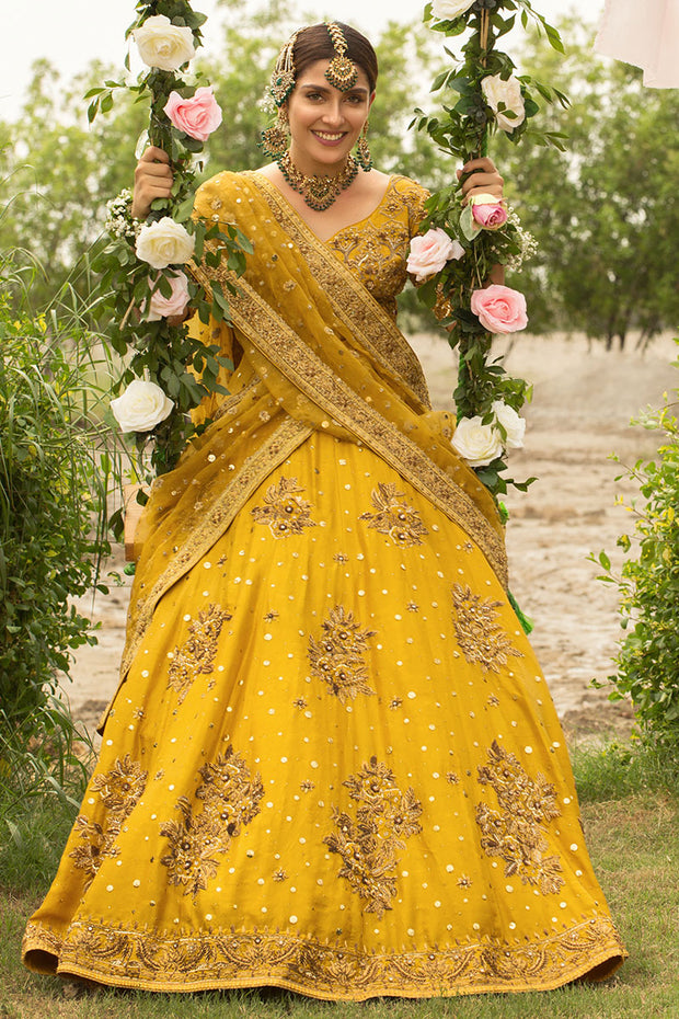 Latest Bridal Mehndi Lehnga in Yellow Color