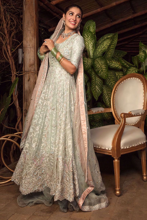 Latest Designer Long Maxi for Walima Side Pose