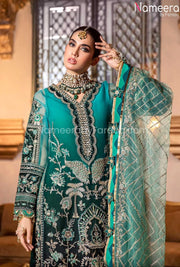 Latest Pakistani Chiffon Dress for Wedding Party Close Up Look