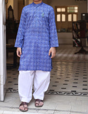 Pakistani machine embroidered kurta in electric blue color