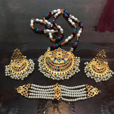 Moti Mala Necklace Set In Traditional Style