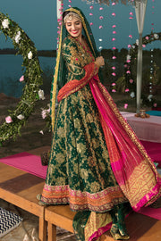 Pakistani Designer Mehndi Wear  Side Pose