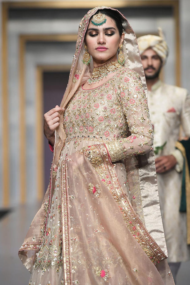 Pakistani Bridal Dress in Pink Color for Wedding Clear Look