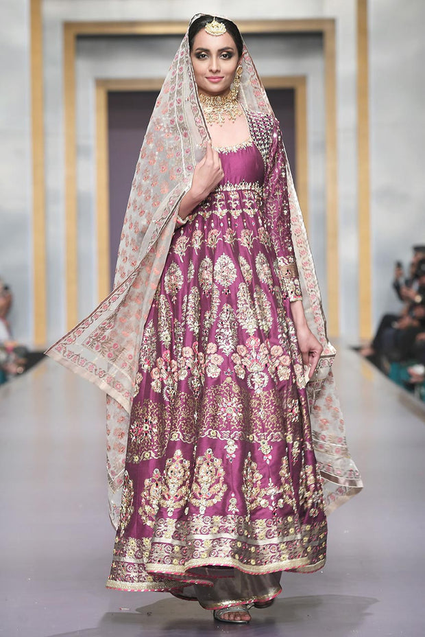 Pakistani Bridal Lehnga in Purple Color for Wedding