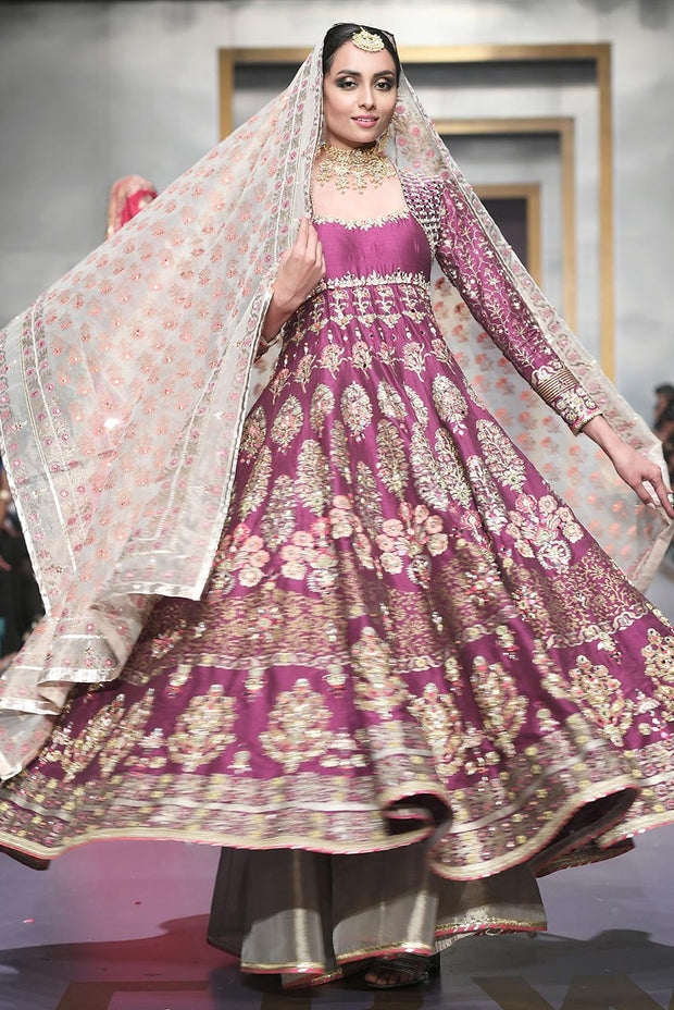 Pakistani Bridal Lehnga in Purple Color for Wedding Clear View