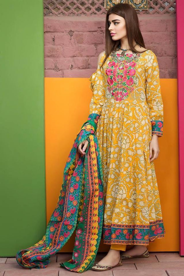 Pakistani Formal Dress By Khaadi