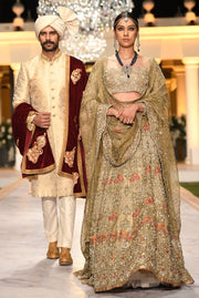 Pakistani Heavy Bridal Lehnga Choli for Wedding Model Look