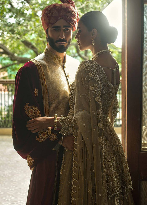Pakistani Peplum Lehnga in Gold Color for Wedding Side Look