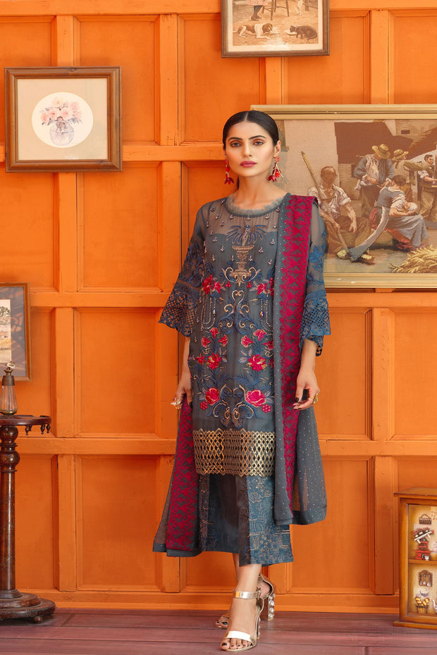 Pretty Pakistani dress of Chiffon for Parties