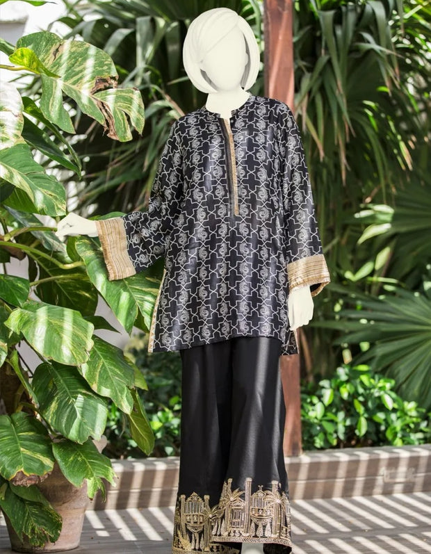 Pakistani kurta style girl plus lawn trouser