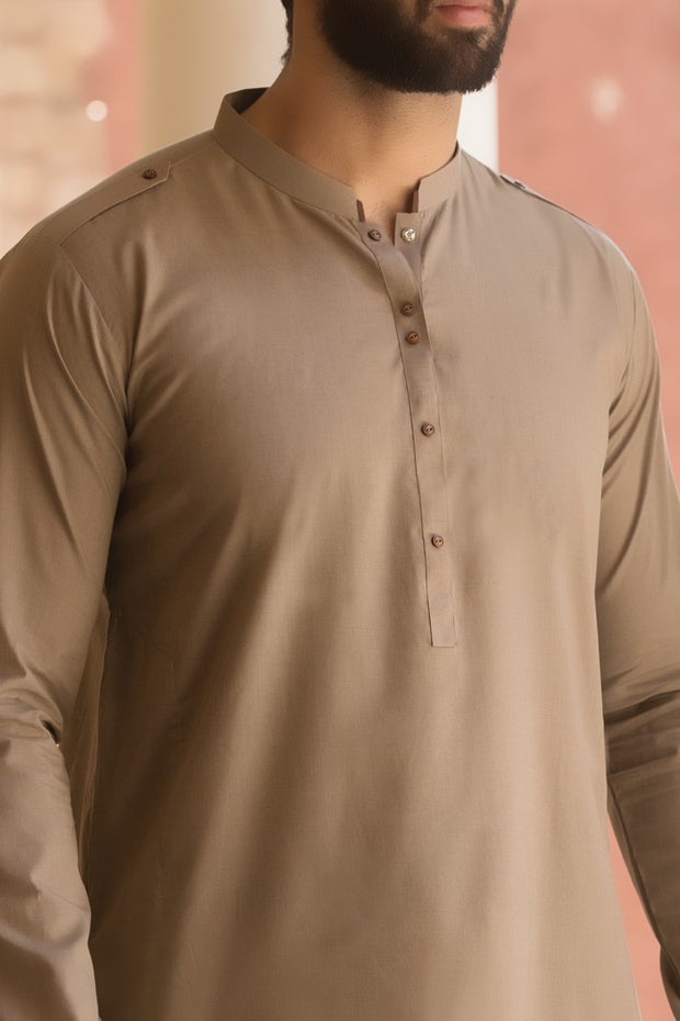 Pakistani men's designer clothes brands