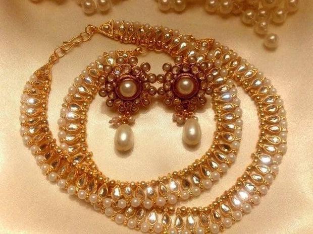 Pretty Anklets With Earrings Set