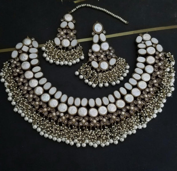 White Stones Kundan Jewellery Set