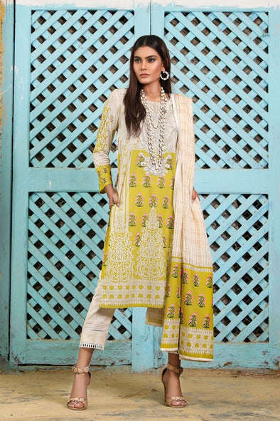 Women's dress of latest Pakistani fashion 2019