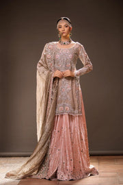Beautiful embroidered bridal lehnga in gold and pink color