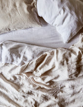 Two-Tone Linen Duvet - Chalk/White with piping