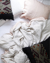 Two Tone Linen Duvet, Blush/Chalk