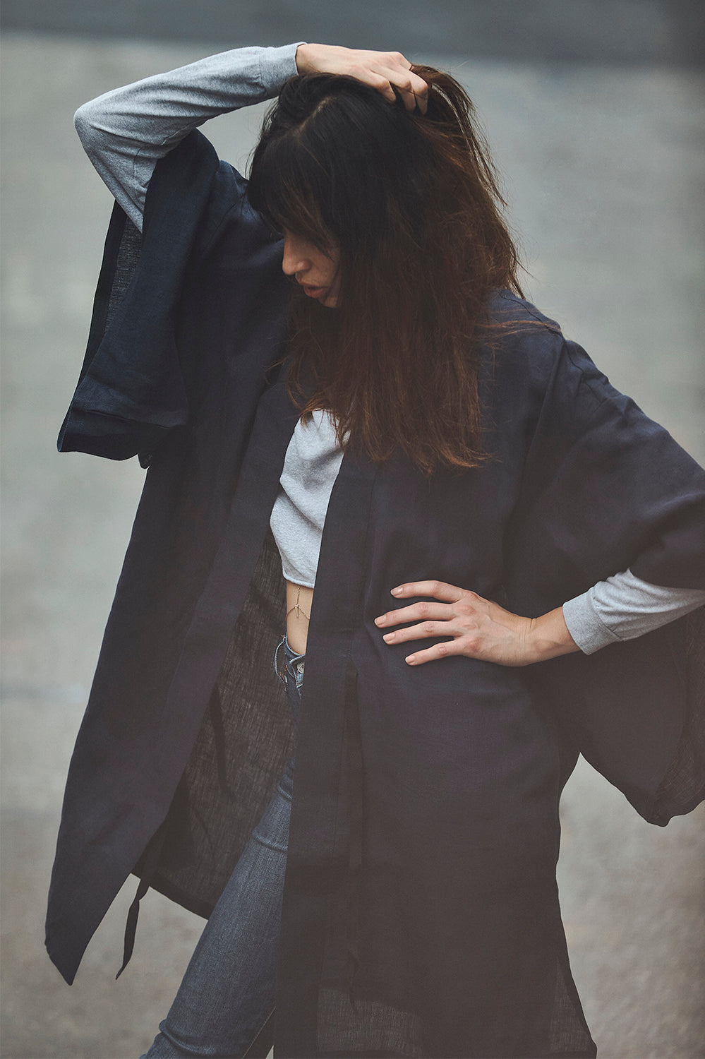 Short Linen Robe in Indigo