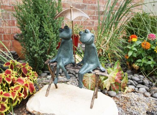 "Ebros Verdi Green Aluminum Two Lover Frogs Under Umbrella Garden Statue 18""H"