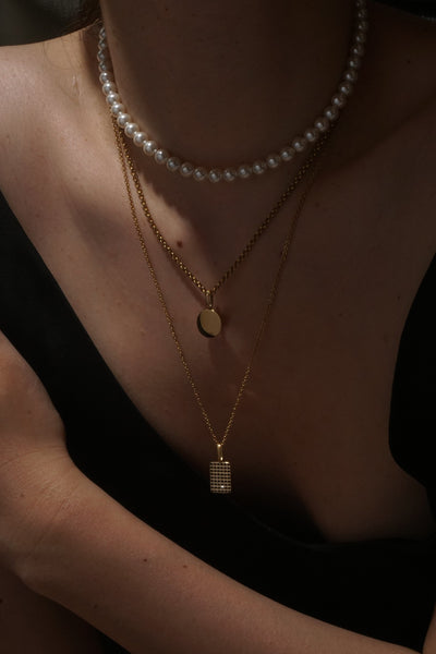 Black Diamante Rec Pendant - Gold