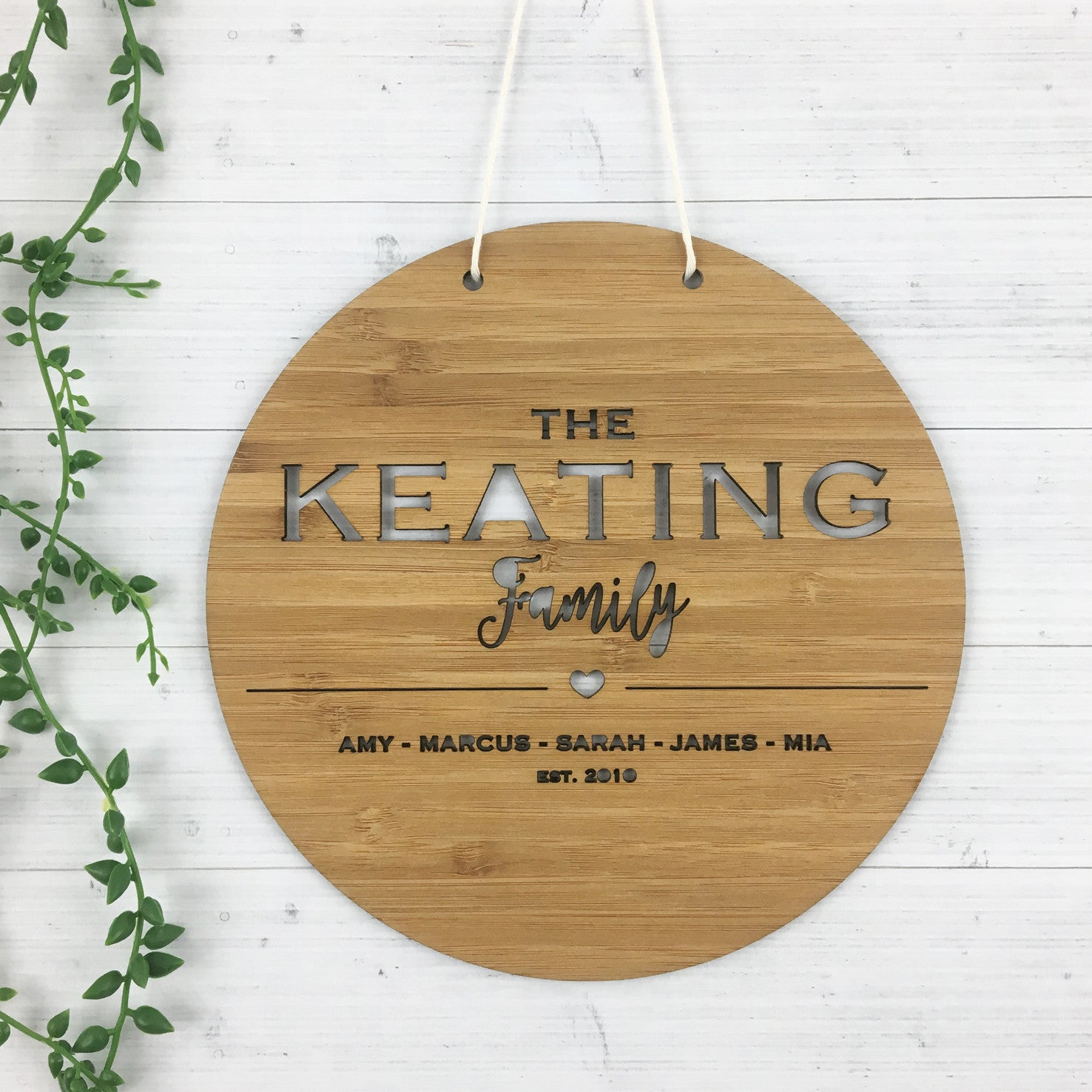 The Family Wall Hanging (round)