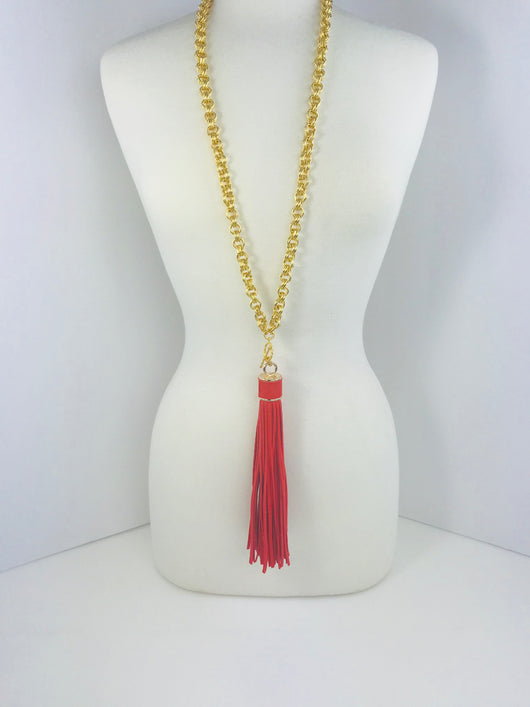 Red-Tassel-Pendant-Gold