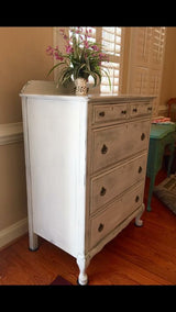 Palest Grey Chest of Drawers (with Skeleton Key & 5-locking drawers)